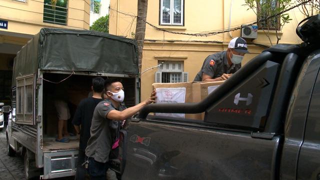 Quỹ Tấm lòng Việt tiếp sức cùng Bắc Giang và Bắc Ninh chống dịch - Ảnh 1.