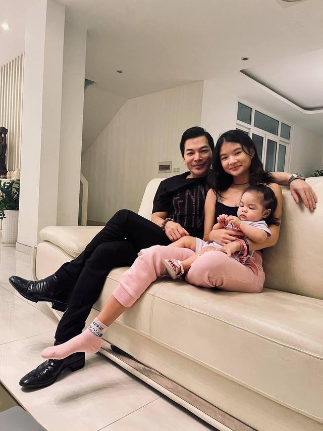 Hai con gái của Trần Bảo Sơn đã được gặp nhau - Ảnh 1.