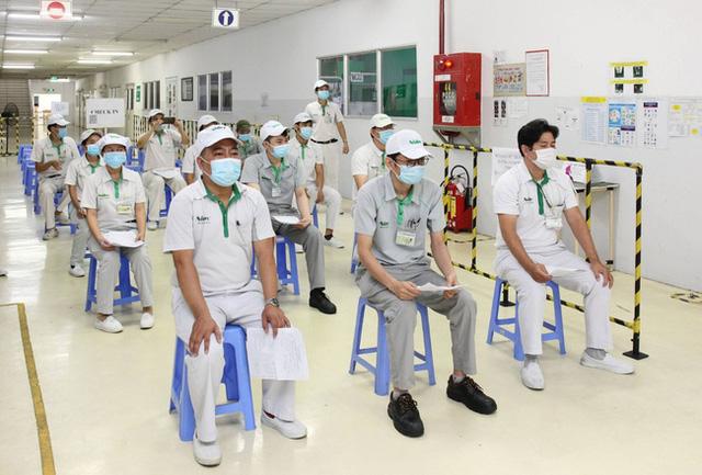 TP Hồ Chí Minh tiếp tục triển khai tiêm vaccine COVID-19 cho công nhân - Ảnh 1.