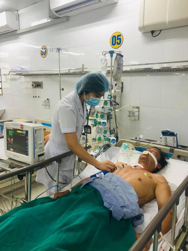 Liên tiếp cấp cứu bệnh nhân sốc nhiệt - Ảnh 1.
