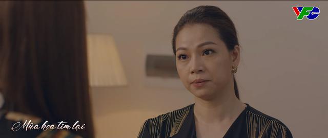 Mùa hoa tìm lại - Tập 13: Việt đần mặt nhìn Lệ lao vào ôm chặt Đồng - ảnh 7