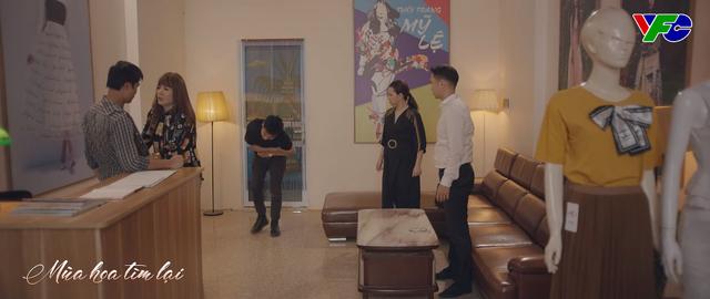 Mùa hoa tìm lại - Tập 13: Việt đần mặt nhìn Lệ lao vào ôm chặt Đồng - ảnh 2