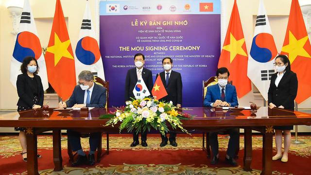 Thủ tướng: Sớm đưa kim ngạch thương mại Việt Nam - Hàn Quốc lên 100 tỷ USD - Ảnh 2.