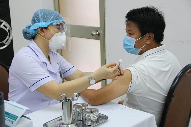 Đã có gần đủ tiền để tiêm vaccine COVID-19 cho 75 triệu dân - ảnh 1