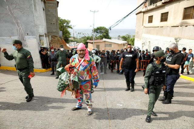"""""""Vũ công Quỷ"""" mong cầu đại dịch kết thúc tại lễ hội ở Venezuela - ảnh 1"""
