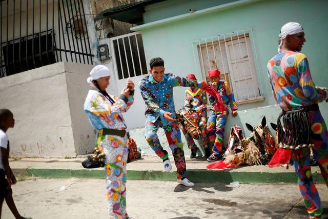 """""""Vũ công Quỷ"""" mong cầu đại dịch kết thúc tại lễ hội ở Venezuela - ảnh 3"""