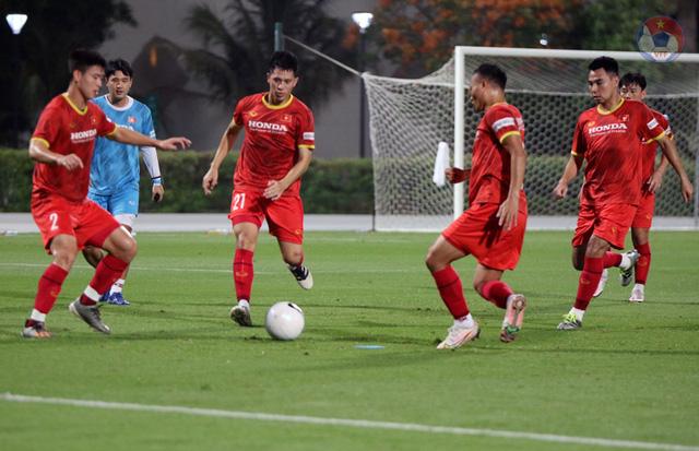 ĐT Việt Nam - ĐT Indonesia: Quyết thắng để giữ vững ngôi đầu! (23h45 trên VTV5, VTV6) - Ảnh 2.