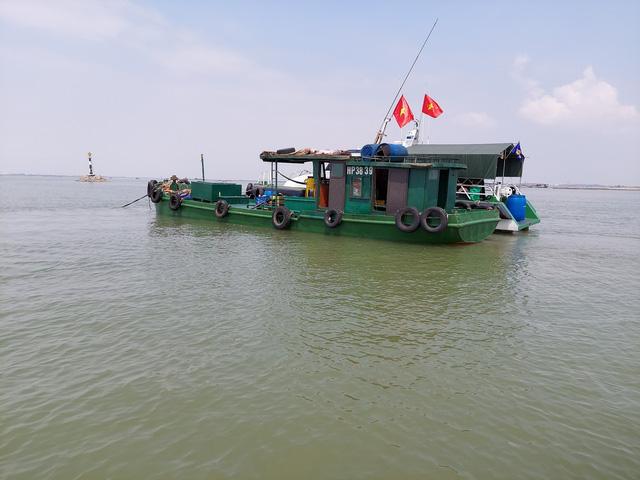 Bộ Tư lệnh Vùng Cảnh sát biển 1 tạm giữ 25.000 lít dầu DO không rõ nguồn gốc - ảnh 3