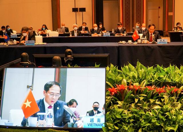 Trung Quốc khẳng định tiếp tục đẩy mạnh cung cấp vaccine ngừa COVID-19 cho các nước ASEAN - Ảnh 4.