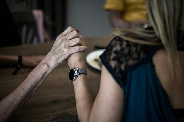 Mỹ phê duyệt thuốc điều trị Alzheimer lần đầu tiên trong gần hai thập kỷ - Ảnh 2.