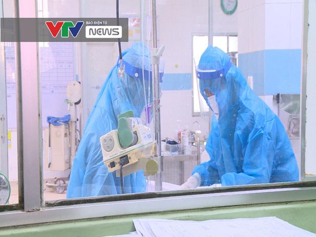 Cảm phục sức mạnh kiên cường của các bác sĩ BV Bệnh Nhiệt đới TP Hồ Chí Minh trước dịch COVID-19 - Ảnh 2.