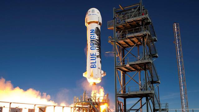 Tỷ phú Jeff Bezos bay thành công vào không gian - bước ngoặt trong ngành du lịch vũ trụ tư nhân - Ảnh 1.