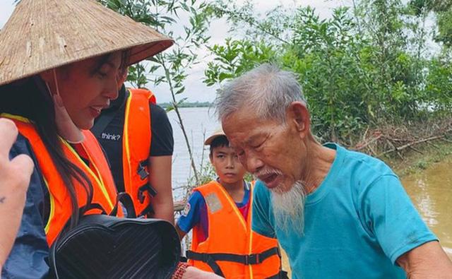 Nhìn nhận lại vấn đề từ thiện sau vụ việc của Hoài Linh, Thủy Tiên | VTV.VN
