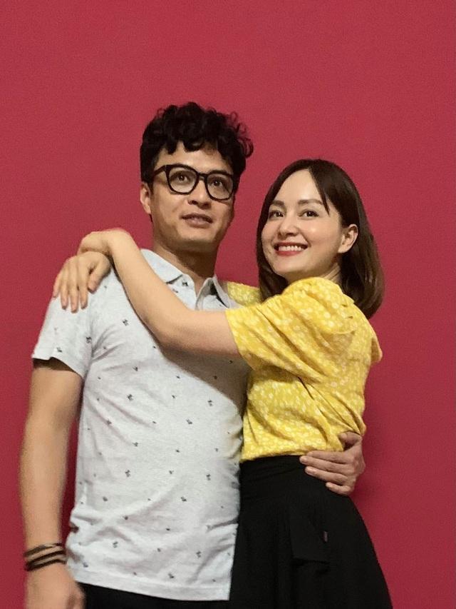 Hồng Đăng ôm Lan Phương trong phim mới, Việt Anh xúi hôn đàng hoàng vào - Ảnh 2.