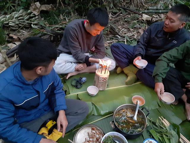 Chuyện những người con Nghệ An đêm ngày bám núi giữ rừng - Ảnh 3.