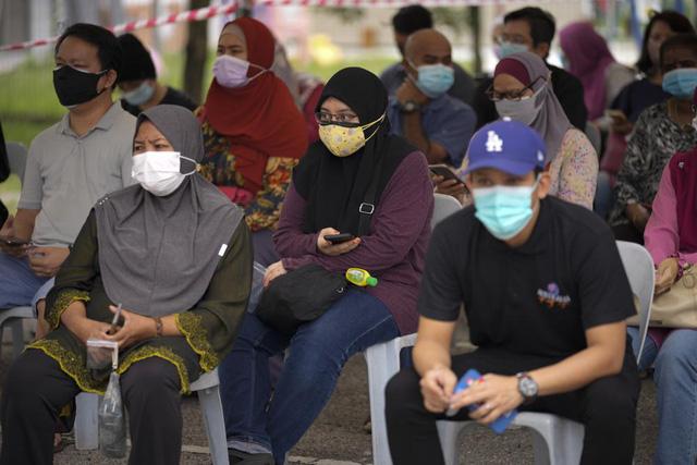 Số ca mắc COVID-19 ở Malaysia và Indonesia cao hơn nhiều so với mức công bố - Ảnh 1.