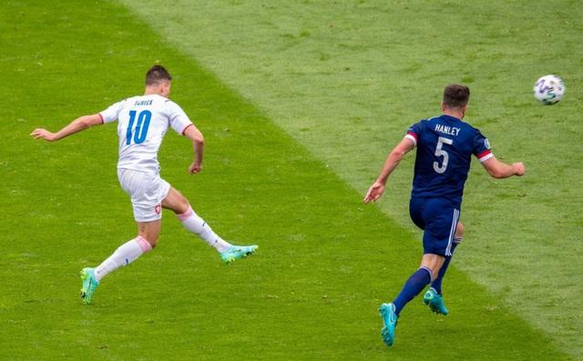 Bàn thắng của Patrik Schick đẹp nhất UEFA EURO 2020 - Ảnh 1.