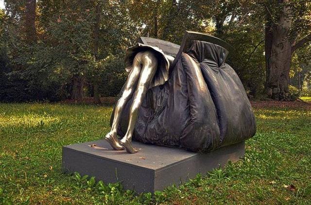 """Những tác phẩm điêu khắc """"kỳ quái"""" nhất thế giới - ảnh 1"""