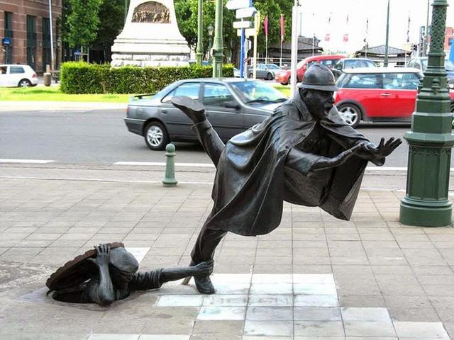 """Những tác phẩm điêu khắc """"kỳ quái"""" nhất thế giới - ảnh 6"""