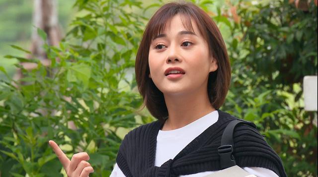 Loạt áo len, trang phục lỗi mốt dìm dáng của Nam (Phương Oanh) trong Hương vị tình thân - Ảnh 39.