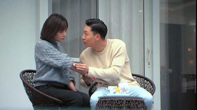 Loạt áo len, trang phục lỗi mốt dìm dáng của Nam (Phương Oanh) trong Hương vị tình thân - Ảnh 31.