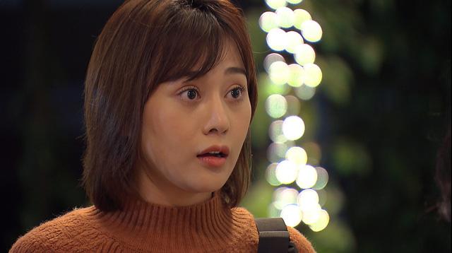 Loạt áo len, trang phục lỗi mốt dìm dáng của Nam (Phương Oanh) trong Hương vị tình thân - Ảnh 35.