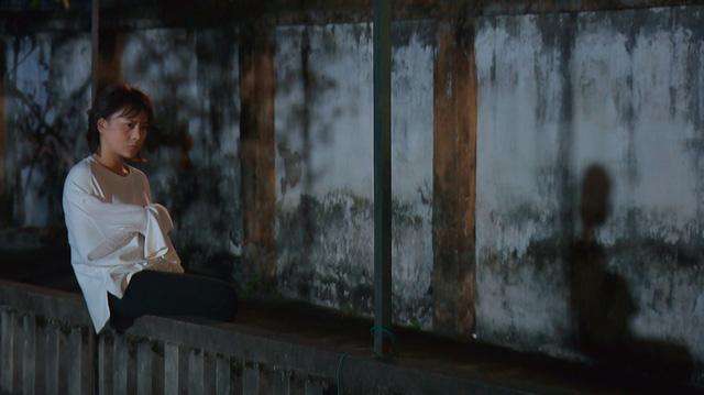 Loạt áo len, trang phục lỗi mốt dìm dáng của Nam (Phương Oanh) trong Hương vị tình thân - Ảnh 22.