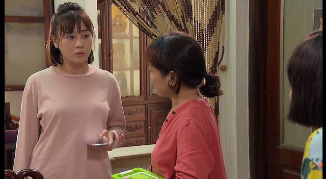Loạt áo len, trang phục lỗi mốt dìm dáng của Nam (Phương Oanh) trong Hương vị tình thân - Ảnh 18.