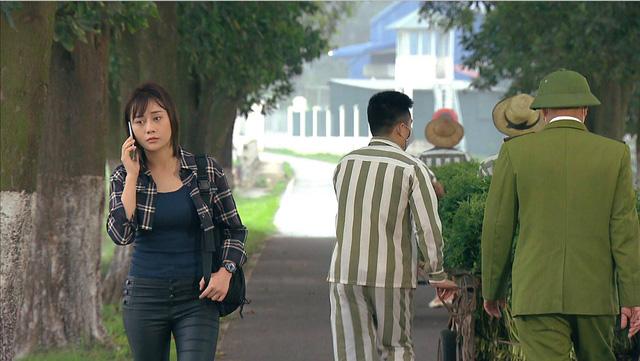 Loạt áo len, trang phục lỗi mốt dìm dáng của Nam (Phương Oanh) trong Hương vị tình thân - Ảnh 12.