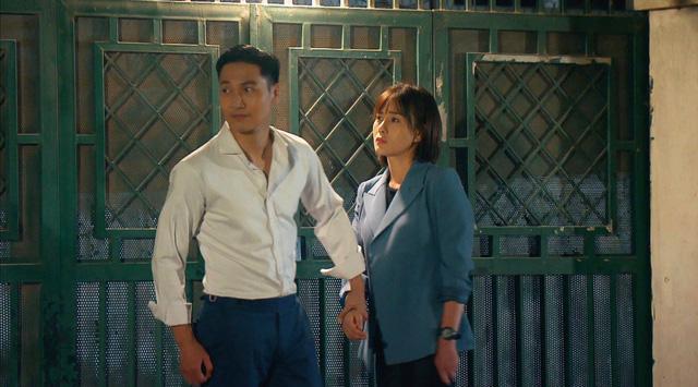 Loạt áo len, trang phục lỗi mốt dìm dáng của Nam (Phương Oanh) trong Hương vị tình thân - Ảnh 8.