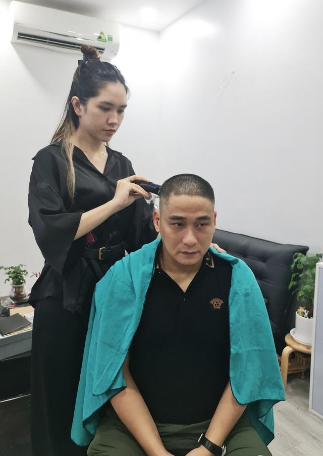 Sao Việt với những kiểu tóc tại gia trong mùa dịch - Ảnh 10.