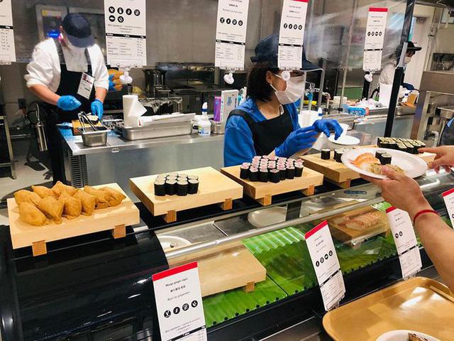 Chùm ảnh: Khu nhà ăn của VĐV Olympic Tokyo 2020 - Ảnh 3.