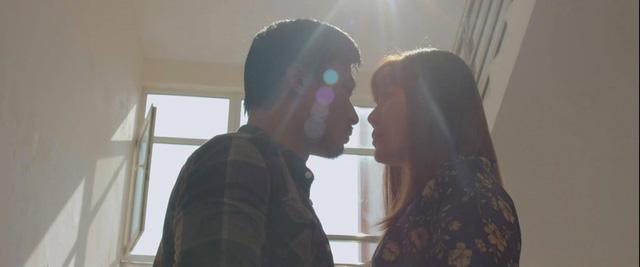 Mùa hoa tìm lại - Tập 26: Đồng xuất sắc biến hiểu lầm thành nụ hôn bất ngờ - ảnh 7