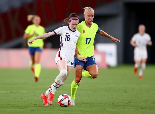 Bóng đá nữ Olympic: ĐT Mỹ bất ngờ thua trận, ĐT Brazil thắng cách biệt ĐT Trung Quốc - Ảnh 1.