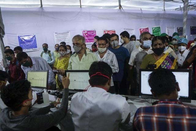 Lào ghi nhận số người mắc mới cao kỷ lục, Campuchia ứng phó số ca nhiễm không ngừng tăng - ảnh 1