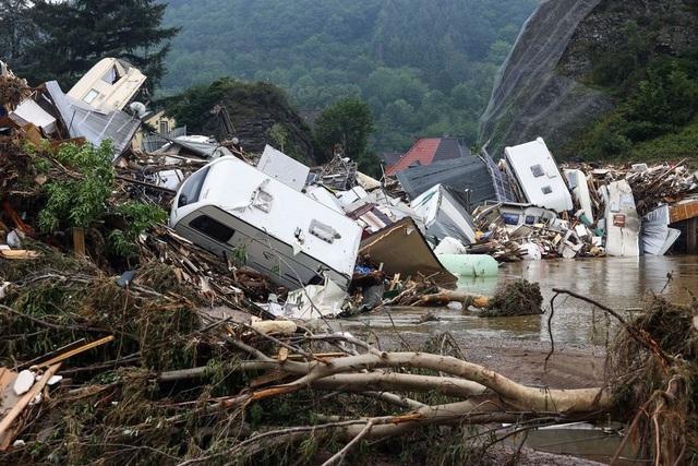 Người Đức vật lộn với thực tại sau thảm họa lũ lụt - Ảnh 1.