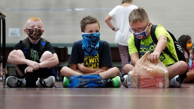 Trên 4 triệu trẻ em Mỹ nhiễm virus SARS-CoV-2 - ảnh 1