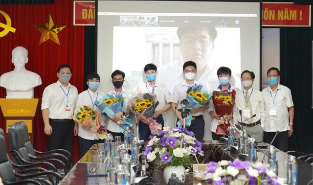 Học sinh Việt Nam giành huy chương Vàng tại Olympic Toán học quốc tế 2021 - Ảnh 2.