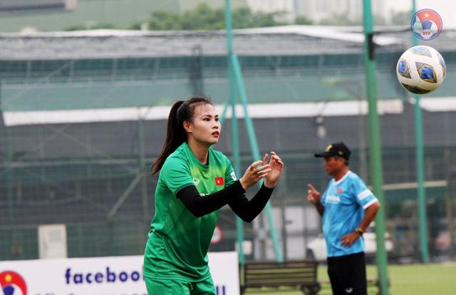 ĐT nữ Việt Nam tập luyện với đầy đủ lực lượng - Ảnh 3.
