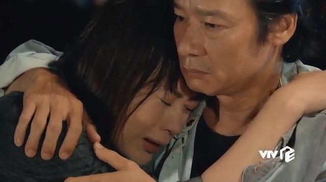 Hương vị tình thân: Phân đoạn xuất thần của bộ 3 diễn viên khiến khán giả khóc như mưa - Ảnh 2.