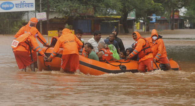 Lũ lụt, lở đất nghiêm trọng ở Ấn Độ khiến 129 người thiệt mạng - Ảnh 7.