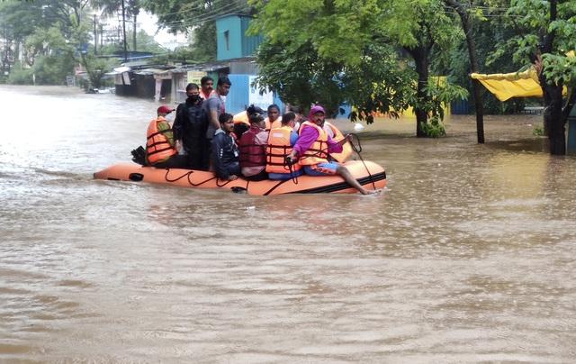 Lũ lụt, lở đất nghiêm trọng ở Ấn Độ khiến 129 người thiệt mạng - Ảnh 4.