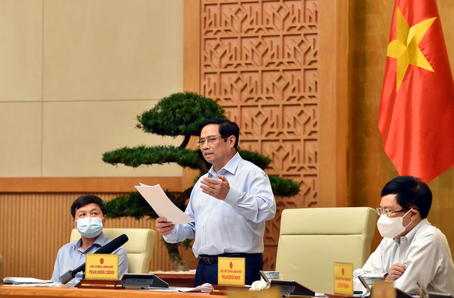 Thủ tướng: Khắc phục hạn chế, thực hiện nghiêm, triệt để yêu cầu phòng chống dịch - Ảnh 2.
