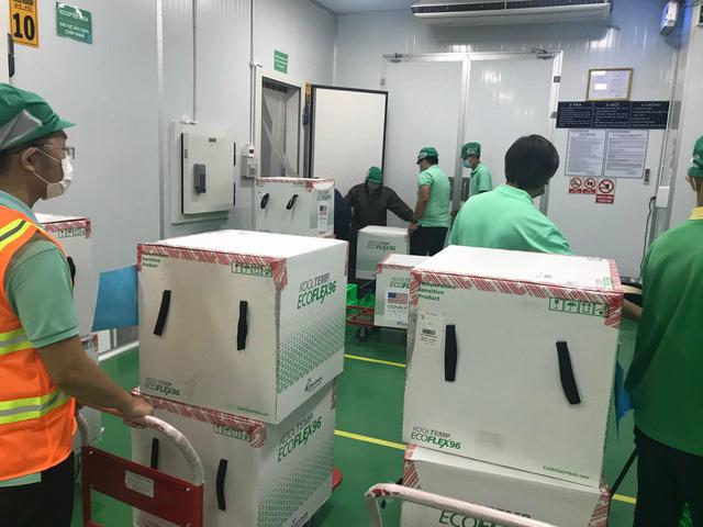 1,5 triệu liều vaccine COVID-19 do Hoa Kỳ hỗ trợ đã về đến TP Hồ Chí Minh - Ảnh 2.