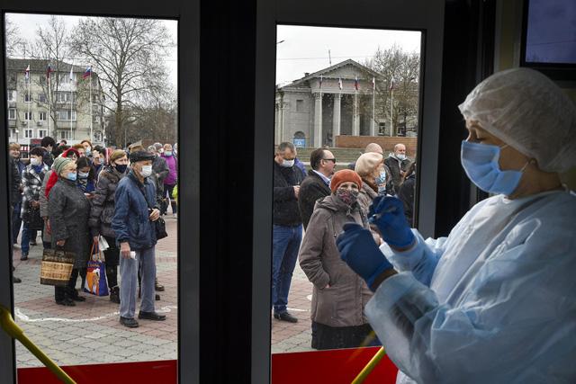 Các nước ASEAN lập kỷ lục số ca mắc COVID-19/ngày, Indonesia có số người nhiễm mới cao nhất thế giới - Ảnh 1.