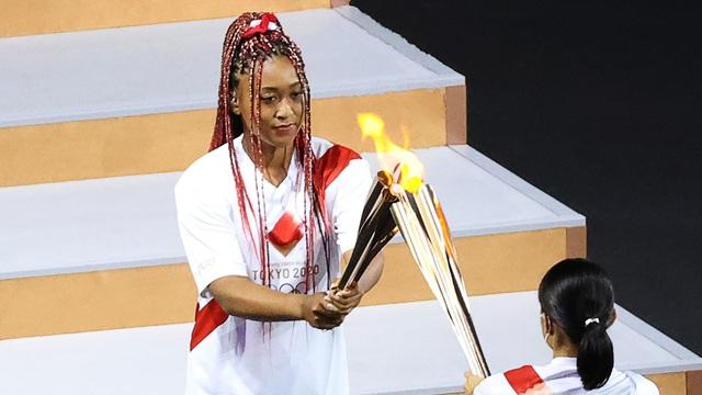 Naomi Osaka tự hào khi được thắp sáng đài đuốc Olympic Tokyo - Ảnh 1.