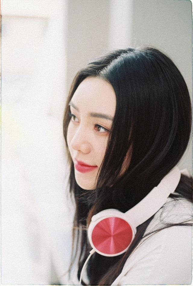 Quỳnh Kool hóa nữ sinh xinh đẹp trong bộ ảnh đón tuổi 26 - Ảnh 13.