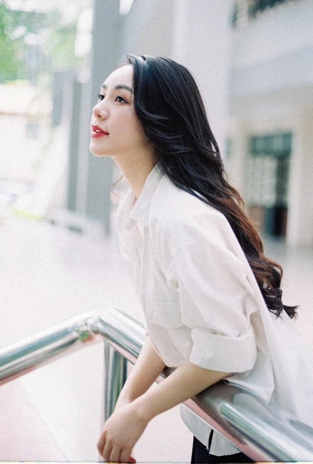 Quỳnh Kool hóa nữ sinh xinh đẹp trong bộ ảnh đón tuổi 26 - Ảnh 12.
