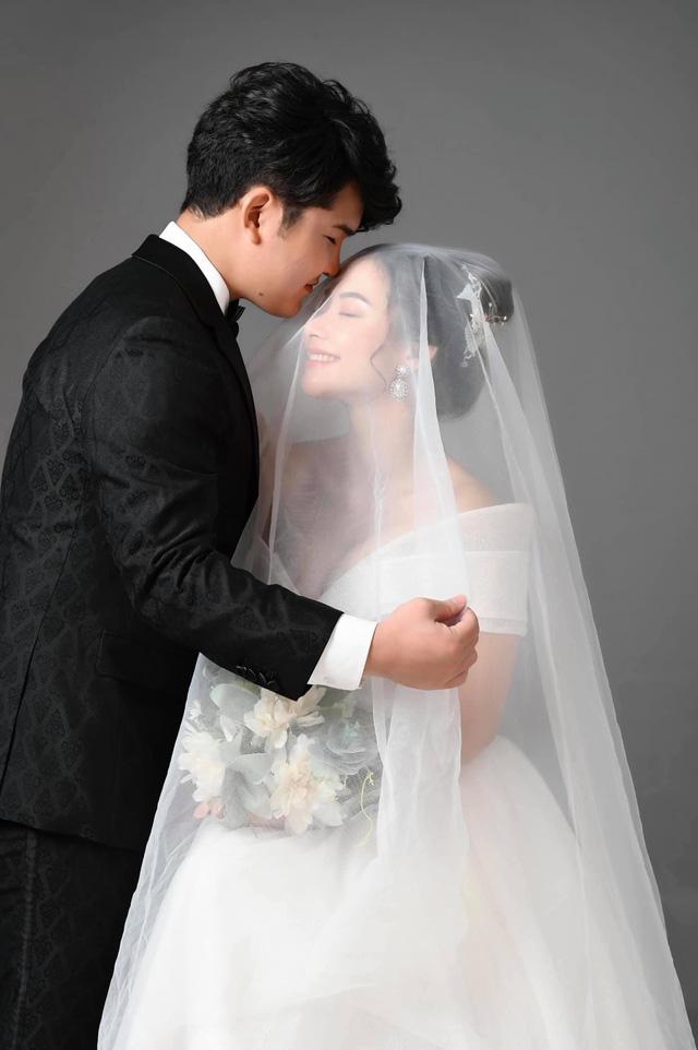 Ảnh cưới tình bể bình của cặp đôi Núi - Hoa trong Mùa hoa tìm lại - Ảnh 4.