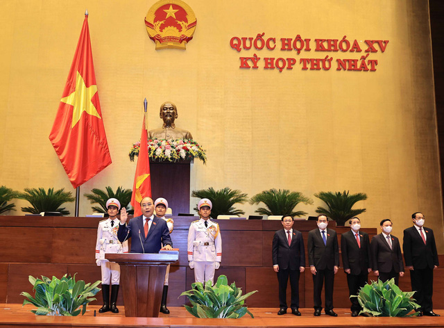 VIDEO: Chủ tịch nước Nguyễn Xuân Phúc tuyên thệ nhậm chức - Ảnh 2.